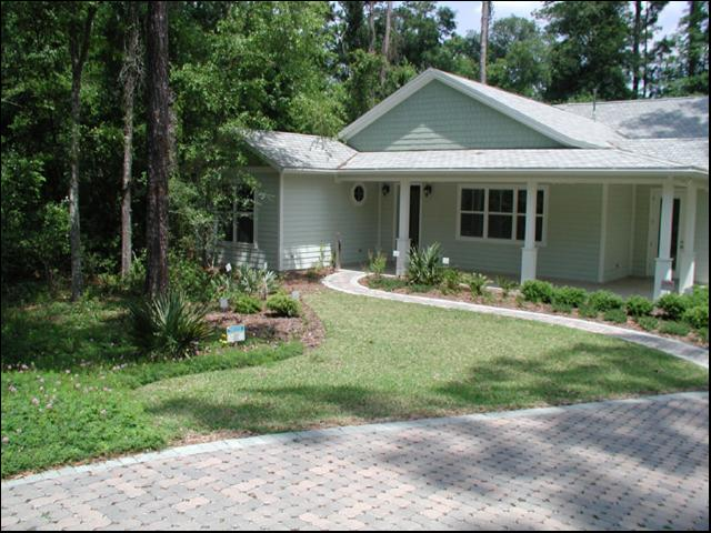 Figure 5.Front yard of a model home in the Madera community, Gainesville, FL.