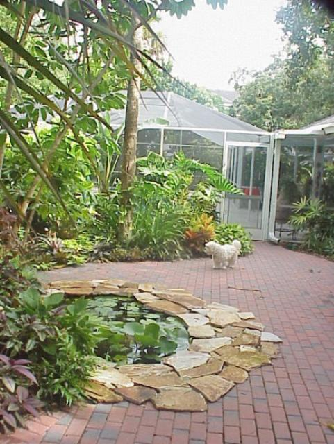 Figure 17.The patio of pervious pavers is balanced with large plant beds.